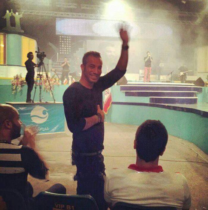 عکسی از امیر تتلو در کنسرت کیش سیروان خسروی | WwW.BestBaz.IR