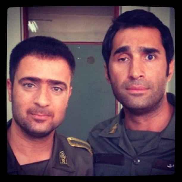 عکسی اختصاصی از احمد مهران فر و هادی کاظمی در لباس سربازی | WwW.BestBaz.IR
