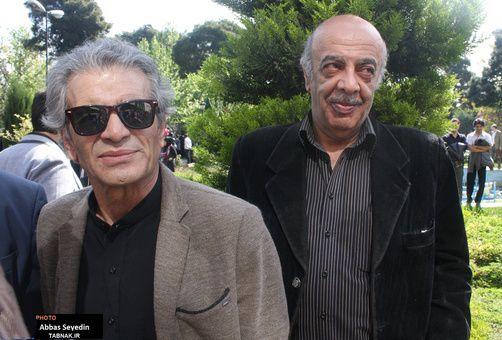 عکسی از محمد شیری در مراسم تشییع زنده یاد عسل بدیعی | WwW.BestBaz.IR