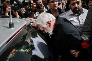 عکسی از پدر مرحوم عسل بدیعی در مراسم دخترش | WwW.BestBaz.IR
