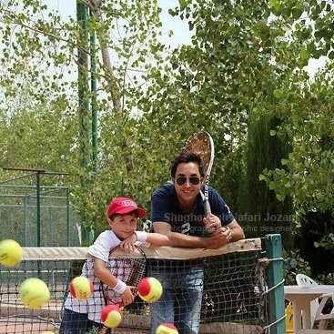 عکسی از امیر حسین رستمی و پسرش ارشیا | WwW.BestBaz.IR