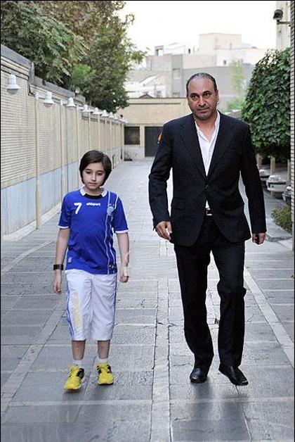 عکسی از حمید فرخ نژاد و پسرش | WwW.BestBaz.IR