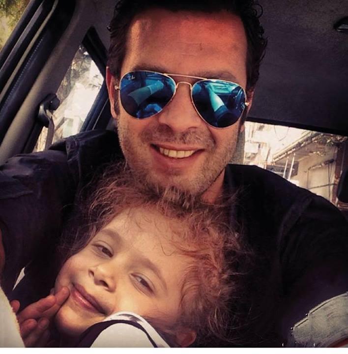 عکسی اختصاصی از پژمان بازغی و دخترش | WwW.BestBaz.IR