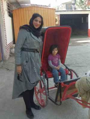 عکس سال 92 روشنک عجمیان و دخترش | WwW.BestBaz.IR