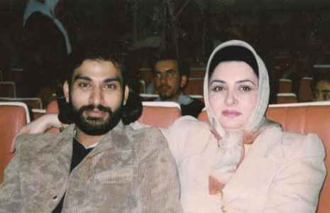 عکسی قدیمی از مرحوم ناصر عبداللهی و همسرش | WwW.BestBaz.IR