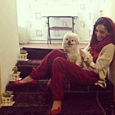 عکسی از خاطره اسدی با سگش | WwW.BestBaz.IR