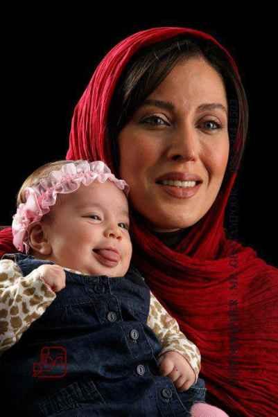 عکسی اختصاصی از مهتاب کرامتی و دختر کوچولوش | WwW.BestBaz.IR