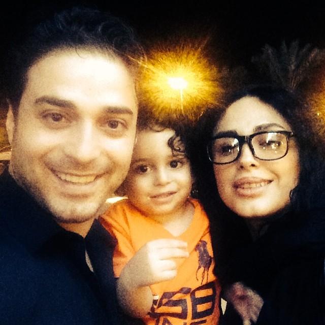 عکسی از بابک جهانبخش کنار همسرش مروارید و پسرش آرتا | WwW.BestBaz.IR