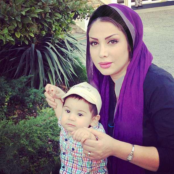عکسی از همسر محسن چاووشی و پسرش زانکو   WwW.BestBaz.IR