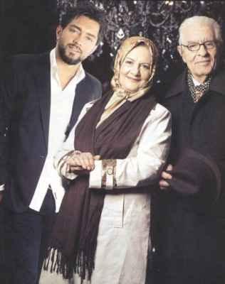 عکس بهرام رادان در کنار پدر و مادرش