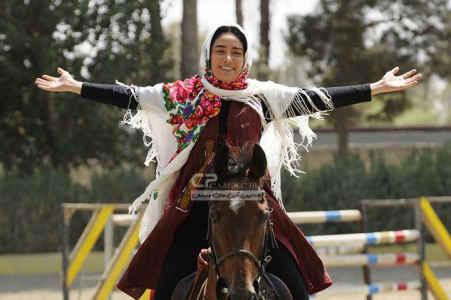 عکسی از بهاره افشاری سوار بر اسب | WwW.BestBaz.IR