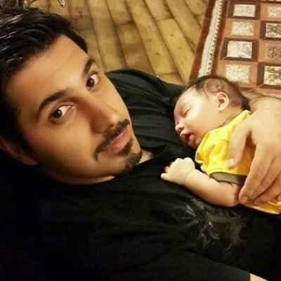 عکسی از احسان خواجه امیری و پسرش آرشان | WwW.BestBaz.IR