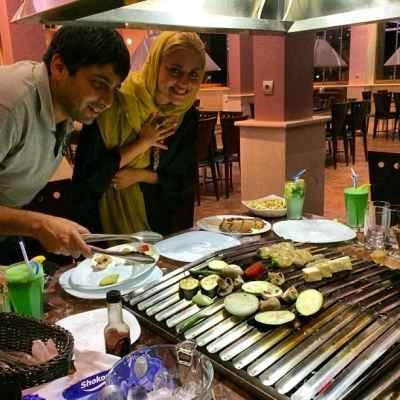 عکسی از حمید گودرزی و همسرش در رستوران چینی | WwW.BestBaz.IR