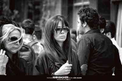 عکسی از هلیا ضیائی در مراسم تشییع نیما وارسته | WwW.BestBaz.IR