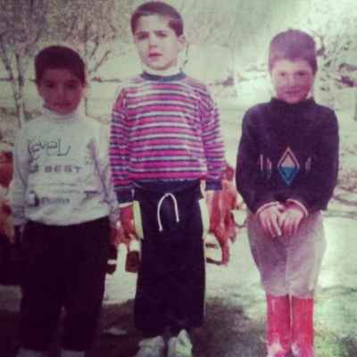 عکسی از کودکی شهرام محمودی | WwW.BestBaz.IR