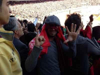 عکسهایی از امیر تتلو در ورزشگاه آزادی بازی پرسپولیس و استقلال | WwW.BestBaz.RozBlog.Com