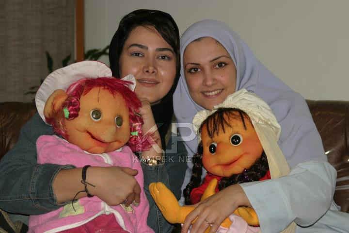 عکسی از آناهیتا نعمتی و عروسکش | WwW.BestBaz.RozBlog.Com