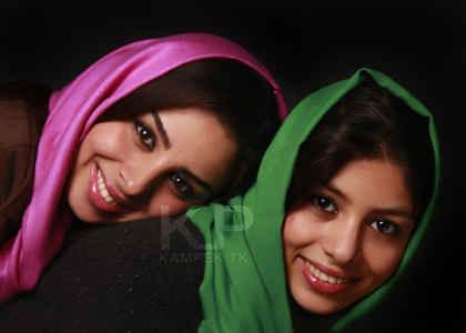 عکسی جدید از فتانه ملک محمدی و خواهرش | WwW.BestBaz.RozBlog.Com