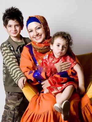 عکسی متفاوت از خاله شادونه کنار پسر و دخترش | WwW.BestBaz.RozBlog.Com