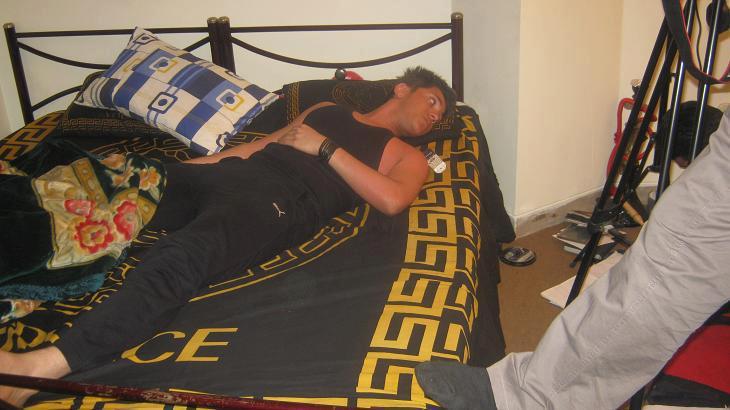 عکسی از سعید پانتر روی تخت اتاقش | WwW.BestBaz.RozBlog.Com