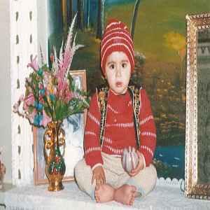 عکسی از کودکی ابیرام خواننده | WwW.BestBaz.RozBlog.Com