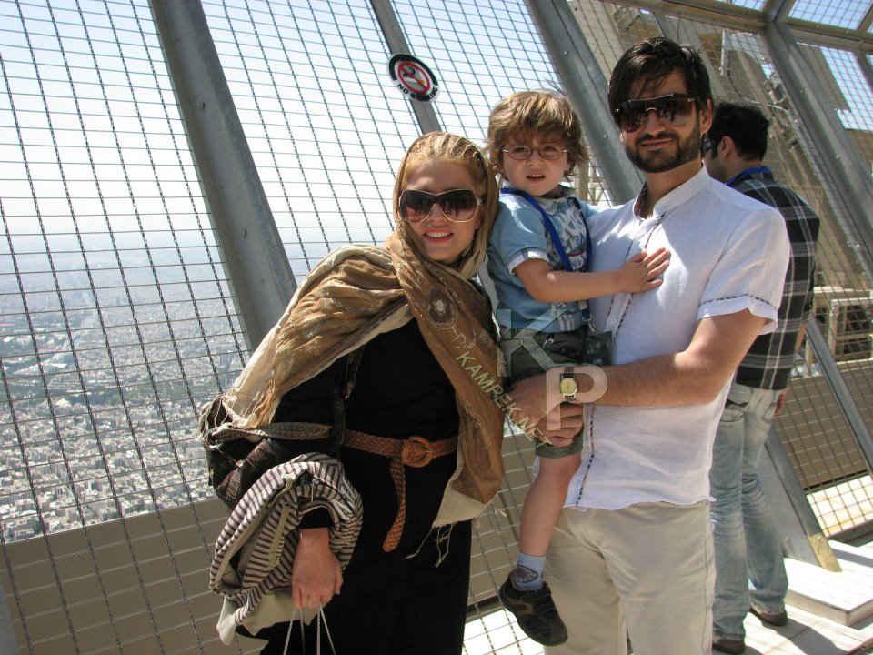 عکسی جدید از پویا امینی کنار همسر و پسرش | WwW.BestBaz.RozBlog.Com