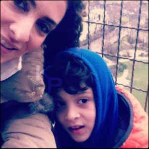 عکسی از ویشکا آسایش و پسرش گیو کنارهم | WwW.BestBaz.RozBlog.Com