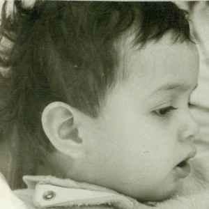 عکسی از نفیسه روشن در دوران کودکی  | WwW.BestBaz.RozBlog.Com