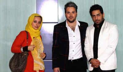 عکس یادگاری نفیسه روشن با علی عبدالمالکی و سامان | WwW.BestBaz.RozBlog.Com