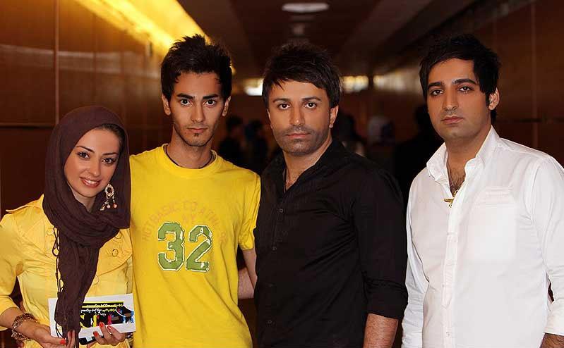 عکس یادگاری نفیسه روشن و برادرش با علی لهراسبی | WwW.BestBaz.RozBlog.Com
