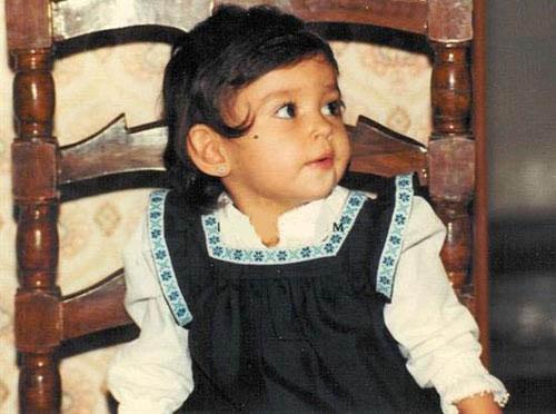 عکسی از کودکی پرستو صالحی | WwW.BestBaz.RozBlog.Com