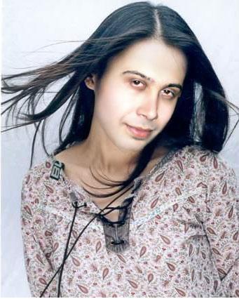 عکسی دیده نشده از خواهر محسن چاوشی | WwW.BestBaz.IR