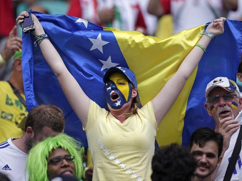 عکس تماشاگران بازی ایران و بوسنی در جام جهانی 2014 | WwW.BestBaz.IR
