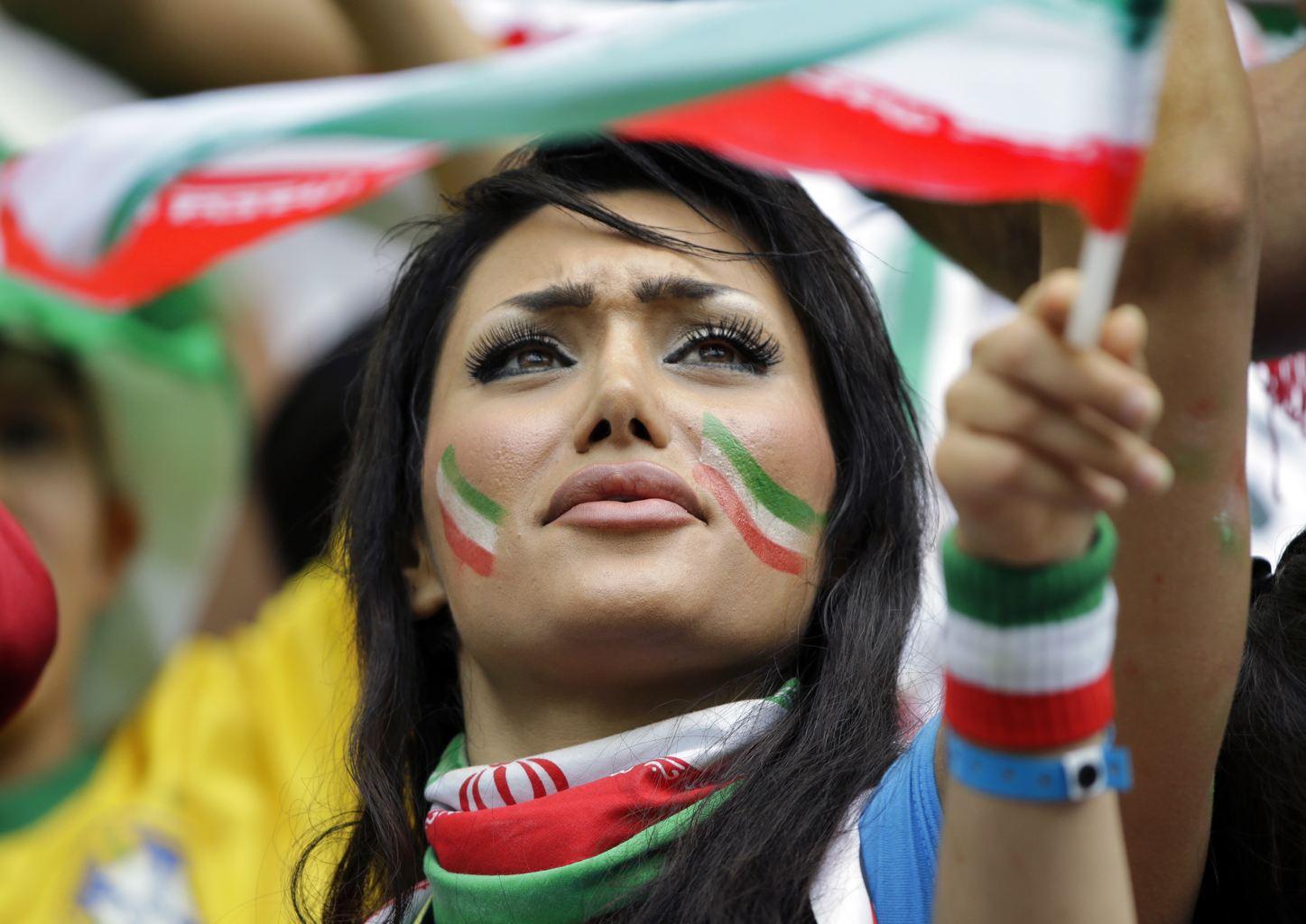 عکس تماشگران بازی ایران و بوسنی در جام جهانی 2014 | WwW.BestBaz.IR