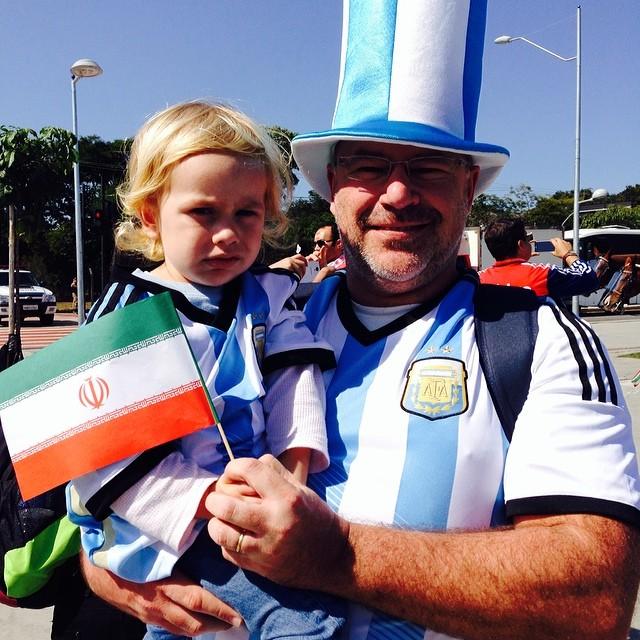 عکسهای تماشاگران بازی ایران و آرژانتین در جام جهانی 2014 | WwW.BestBaz.IR