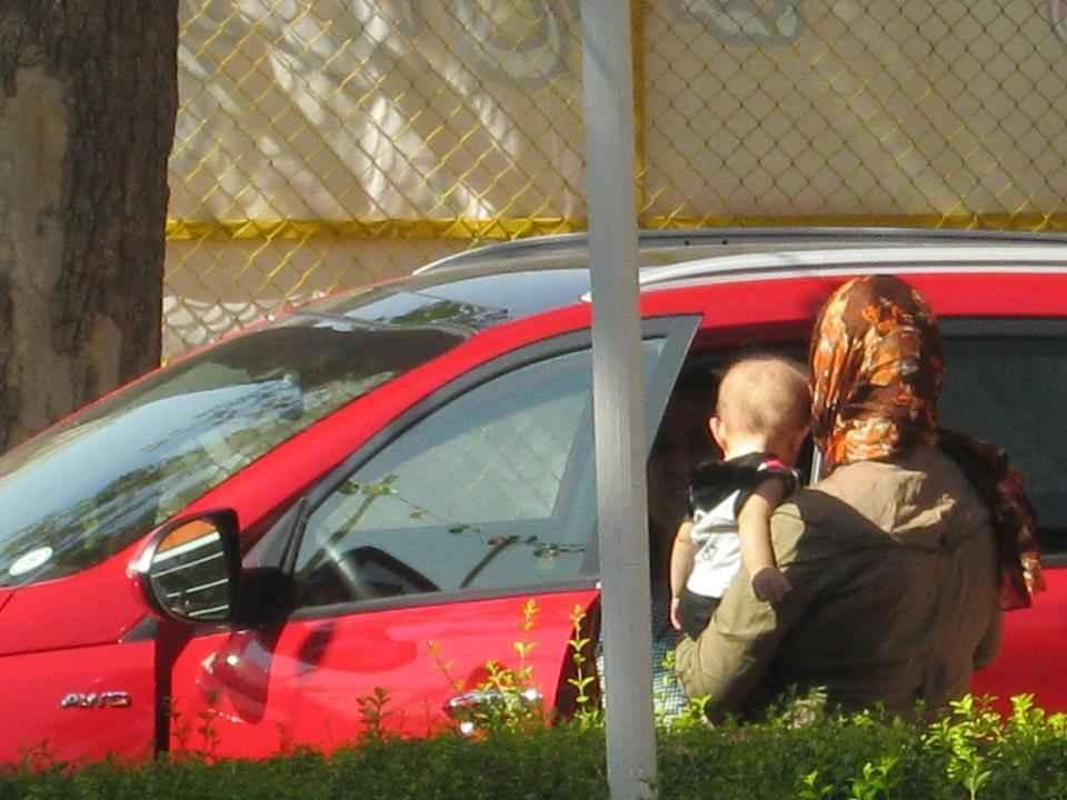 درخواست کمک یک مادر از علی کریمی + عکس | WwW.BestBaz.RozBlog.Com